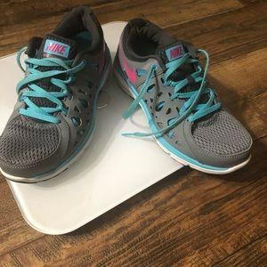 Nike Dual Fusion Women Sneakers Size 6